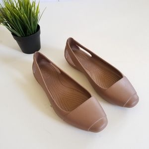 Crocs Sienna Cut Out Heel size 10 Taupe
